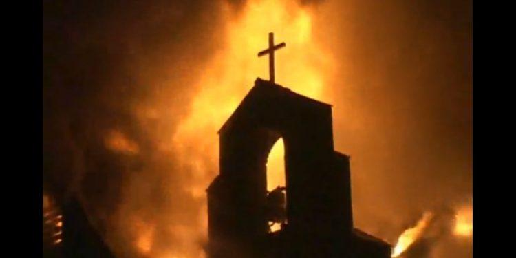 1 nap alatt 10 templomot gyújtottak fel Etiópiában