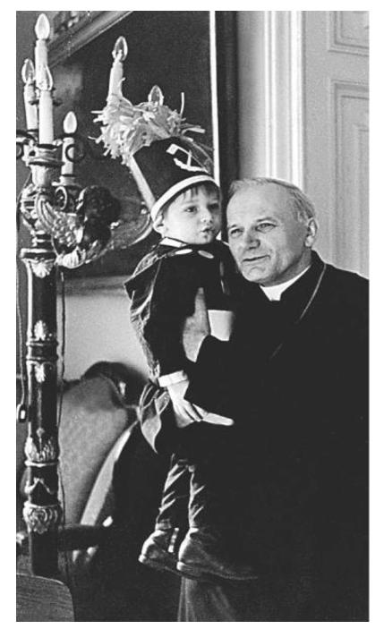 Újabb képek a pápa életéből